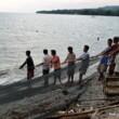 Philippines-Camiguin-Catching-Fish